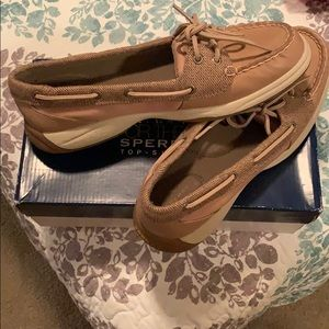 NEVER WORN! Tan sperrys